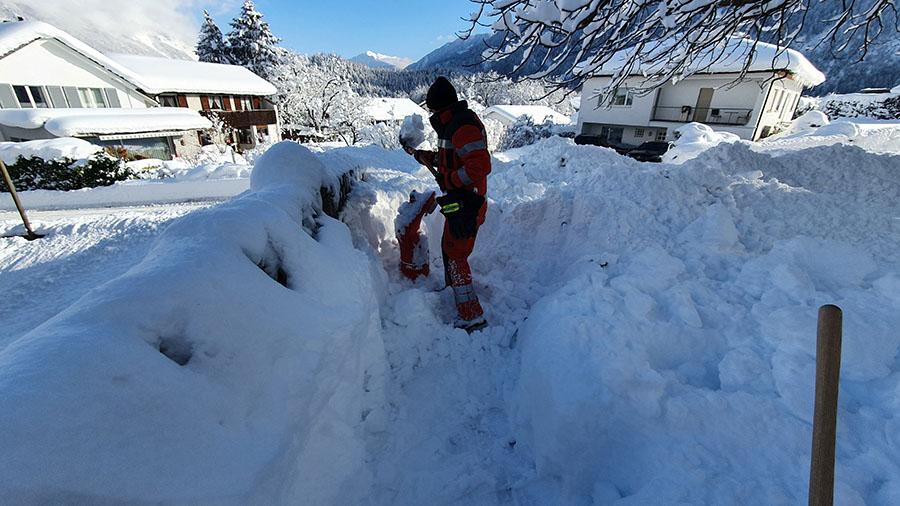 16.01.2021 - Schneeschaufeln